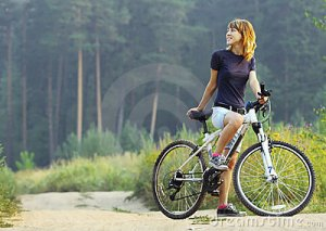 mujer-en-la-bici-15527457